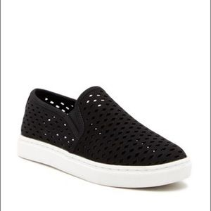 NWOT Steve Madden zeena slip on shoes - size 9
